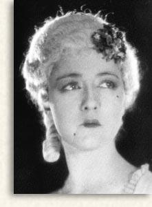 Cyril McLaglen: Gogo Marsa Beauplan: Madame Poisson <b>Marie Ault</b>: Belotte - mmepom3